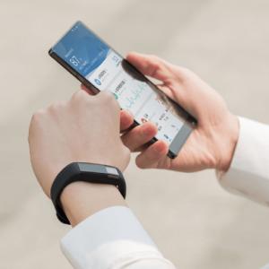 amazfit 300x300 رونمایی شیائومی از سری جدید دستبند های هوشمند